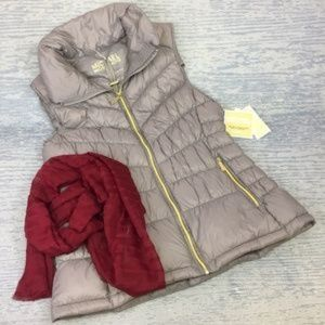 Micheal Kors Puffer taupe vest